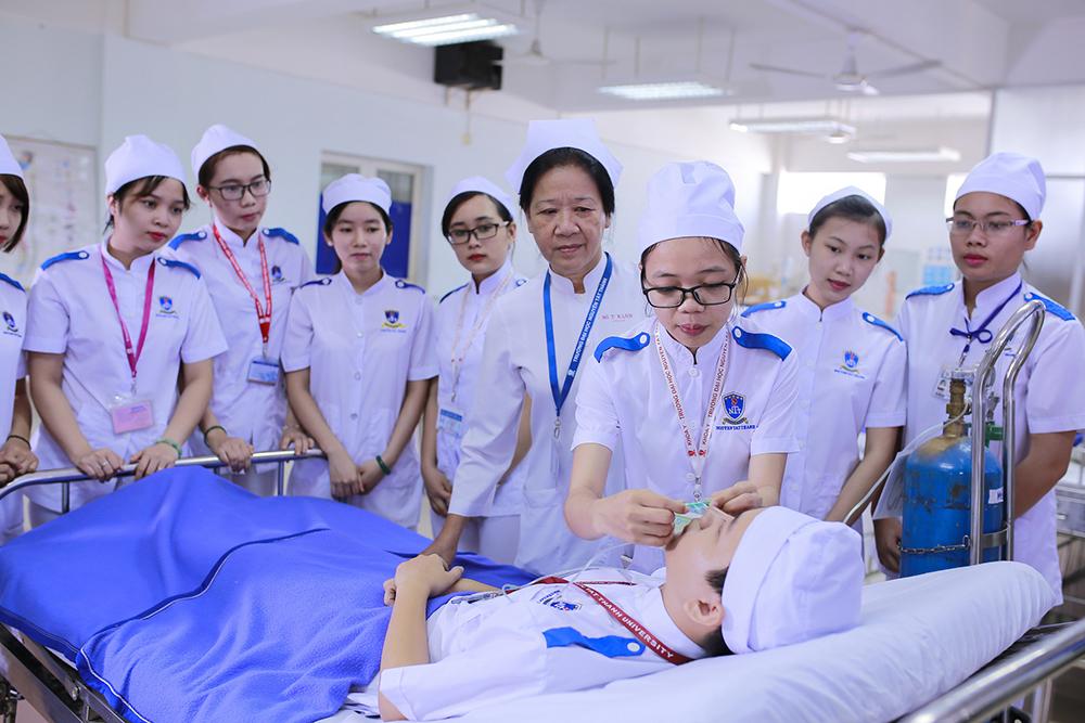 Kết quả hình ảnh cho ngành y trường NTT